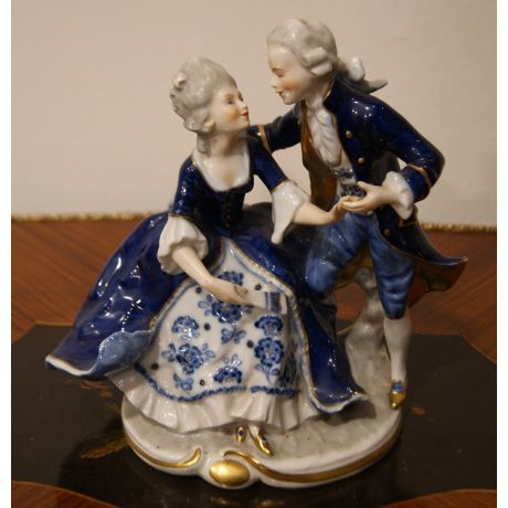 Statuetta in porcellana inglese Royal Crown Derby Porcelain Company